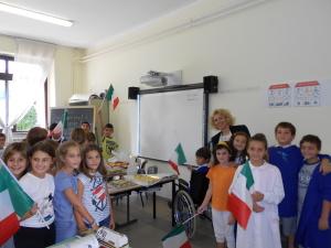 Classe scuola Primaria con lavagna interattiva